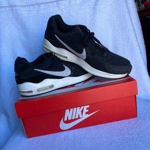 Nike Air Max Guile Men's Runner